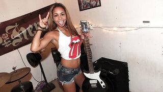 Rock N' Roll Babe