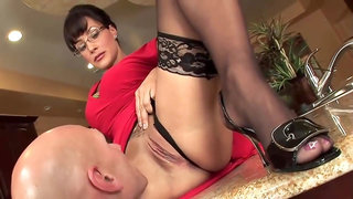 Gorgeous milf with glasses is wearing erotic lingerie, because she is always ready to get fucked