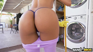 Perfect babe with gorgeous bum Sarah Lace loves fucking missionary