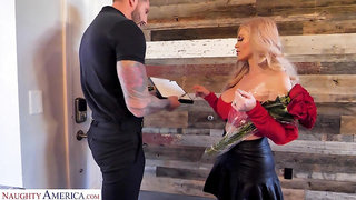 Sexy single mom from Russia Casca Akashova seduce young delivery guy