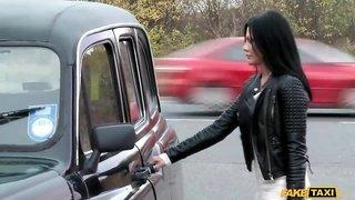 MILF Amanda Black rides a seriously big cock in taxi cab