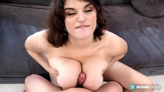 A Visit To Hooter Heaven With Jenni Noble