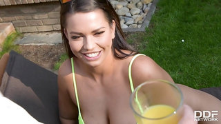 Chloe gave a blowjob to her butler and made him cum all over her big tits