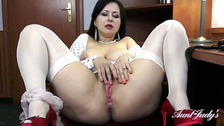lady, Waniliana is showing her natural tits and masturbating, while still at work