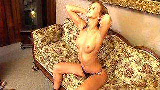Cute naked beauty Susana Spears shows off her ass