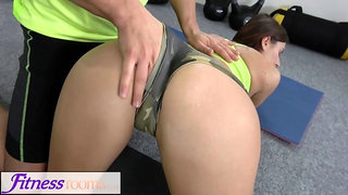 Fitness Rooms creampie for hot brunette Jenifer Jane after gym