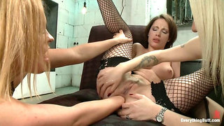 Anal Sluts: Nikita Bellucci and Natasha Starr