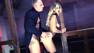 Natalia Starr rubs man's cock with her mouth and booty
