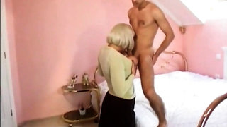 Stepmom wants buttfuck