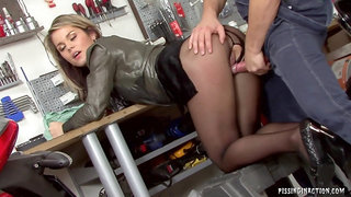 Garage Sex hot Couple fully clothed pissing