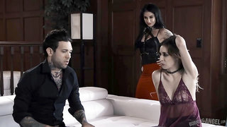 Tattooed guy is getting blowjobs from Joanna Angel and Aiden Ashley, one after the other