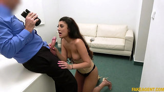 Naked casting girl puts the dick up her throat