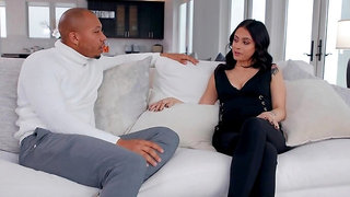 Perfect interracial interlude with luscious lass Melody Foxx