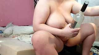 Big glass bottle in pussy and squirt