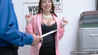 Brunette milf slobbs the officers meat - Big ass