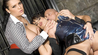 Big titted Valerie Summer and Jasmine Black have a threesome