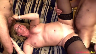 TuttiFrutti - Milf Olivia with her stepsons