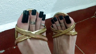 High heels fetish black toe nails