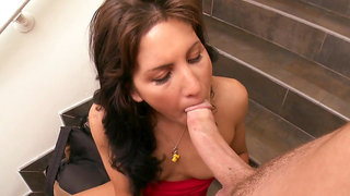 Billi Ann gives a blowjob with no hands