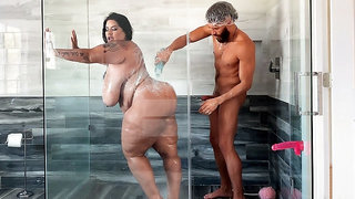 Sofia Rose and Xander Corvus in the shower