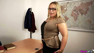 Chunky big breasted Ashley Rider definitely loves stripping and playing with cunt