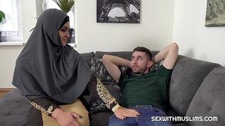 Muslim babe Sofia wants his huge cock
