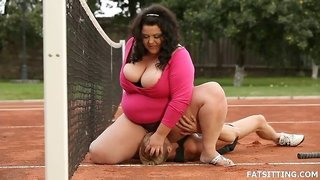 Dominant BBW on the tennis court rides his face