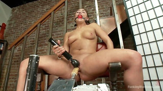 FUCKTASTIC 19 YEAR OLD MACHINE PUSSY EATING, HOTTIE!