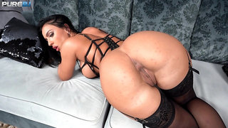 Honey Demon looks perfect in black lingerie during POV blow