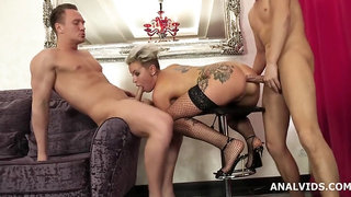 Slut Oxy Summer Joins Porn And Gets Wet DP in Pissing Threesome