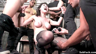 Big knockers darkhaired babe in stockings 2 dicks in one chick hump