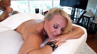 Naughty-hotties.net - huge boobed milf from miami