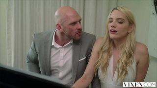 Suited piano teacher Johnny Sins fucks horny nymph Kenna James