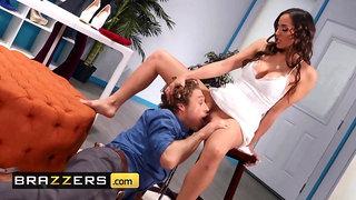Windows washer fucks huge tits MILF