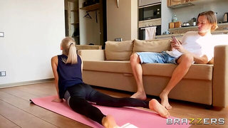 Downblouse Yoga With Eva