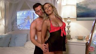 Sexy Blonde Carmen Caliente Has an Intimate Fuck
