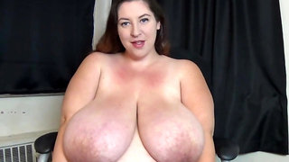 Obese babes show the beauty of their naked melons