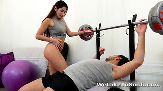 Too naughty sporty chick Vinna Reed gives gym buddy a ride on top