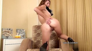 Video from AuntJudys: Tais