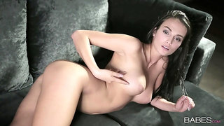 Solo angel reveals pussy and tits in a gorgeous teaser