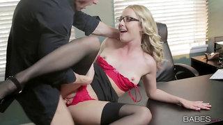Thin secretary opens the feet for a big hoist