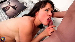 Amateur brunette, Lucy Love fell for an experienced man and had wild sex with him