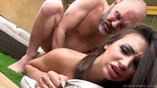 Bearded tattooed stud goes nuts about eating juicy pussy of Susy Gala