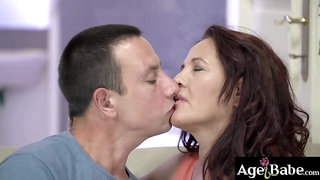 Rob fucks granny Red more and more and splashed his sticky load on her face