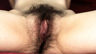 Amateur hairy cunt close up