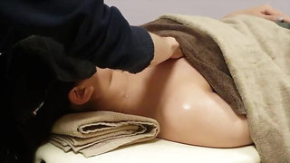 Japanese Aroma Oil Massage 5