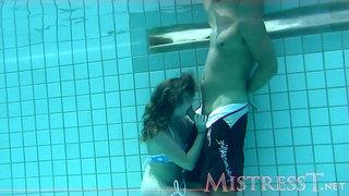 Mistresst - Underwater Sexy Time