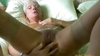 Sexy GILF Fleur Has Fun with a Toy