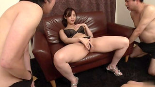 Attractive Runa Momose brings dude to ejaculation