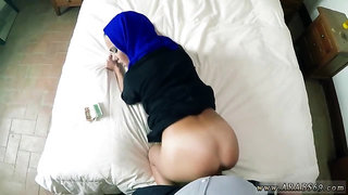 Amateur arab wife cheating and arab hijab woman first time These